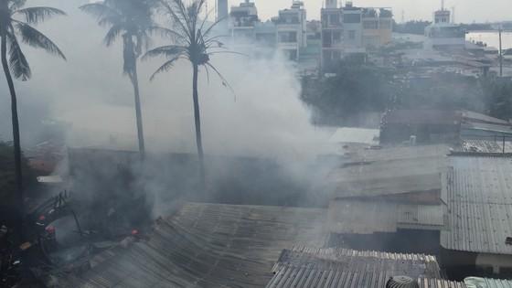 Cháy nhà dân ở chân cầu Bình Lợi, Bình Thạnh ảnh 9
