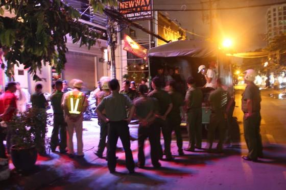 Đột kích quán bar ở quận 7 phát hiện 20 nam nữ phê ma tuý ảnh 8
