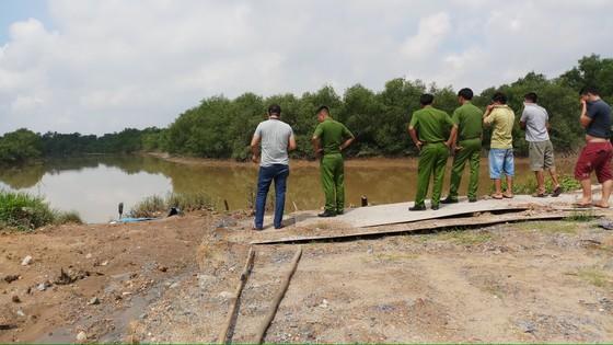 Thi thể nam thanh niên tử vong trôi trên sông Rạch Chiếc ảnh 2