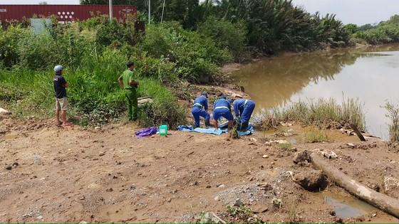 Thi thể nam thanh niên tử vong trôi trên sông Rạch Chiếc ảnh 1