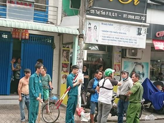 Đối tượng nghi cướp giật, cố thủ trong tiệm game bắn cá đã tử vong ảnh 1