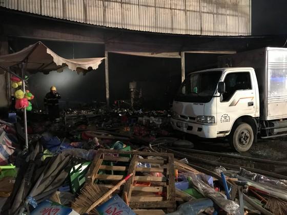 Cửa hàng tạp hoá bốc cháy dữ dội ở quận 9 ảnh 6
