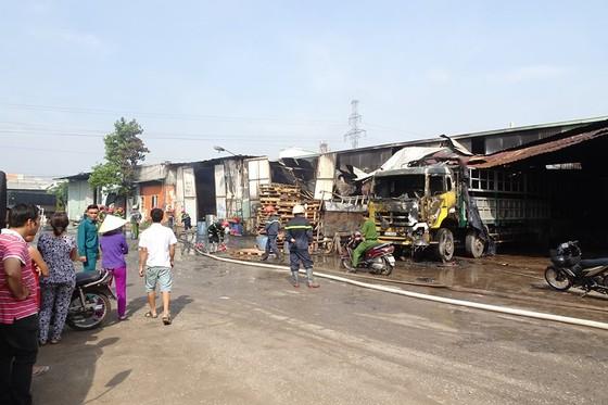 Cháy kho hàng ở huyện Hóc Môn, nhiều tài sản bị thiêu rụi ảnh 1