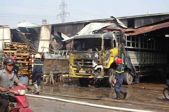Cháy kho hàng ở huyện Hóc Môn, nhiều tài sản bị thiêu rụi ảnh 5