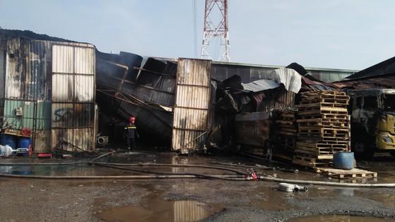 Cháy kho hàng ở huyện Hóc Môn, nhiều tài sản bị thiêu rụi ảnh 7