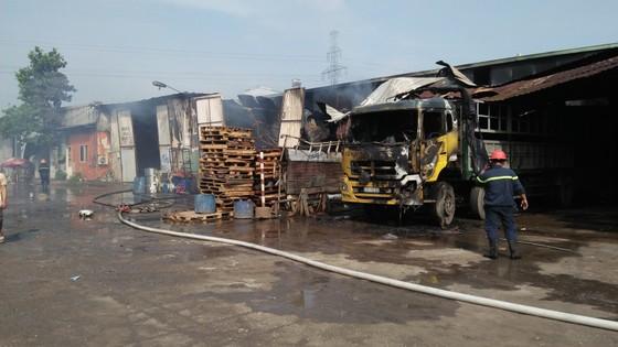 Cháy kho hàng ở huyện Hóc Môn, nhiều tài sản bị thiêu rụi ảnh 9