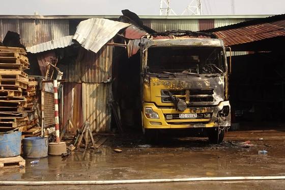 Cháy kho hàng ở huyện Hóc Môn, nhiều tài sản bị thiêu rụi ảnh 11
