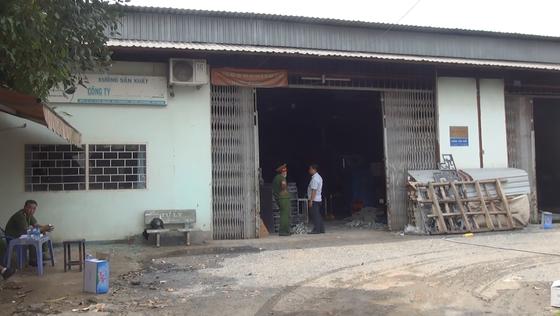 Cháy xưởng cơ khí, 2 người bị bỏng  ảnh 1