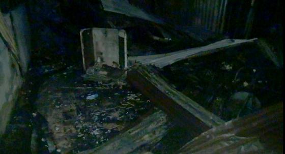 """Căn nhà vắng chủ ở TPHCM bị """"bà hỏa"""" thiêu rụi ảnh 3"""