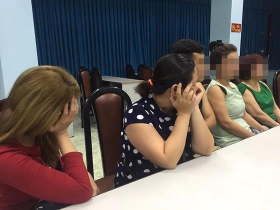 Triệt phá sòng bạc bắt giữ gần 20 con bạc ở quận Phú Nhuận ảnh 1