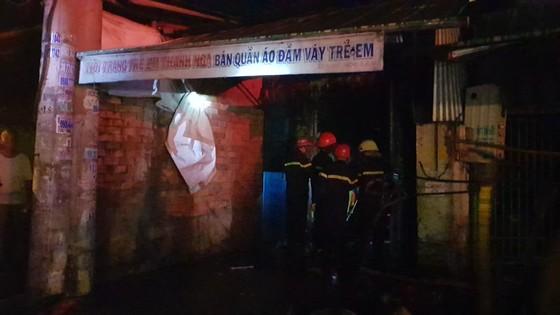 Cháy dãy trọ, một nữ công nhân tử vong ảnh 13
