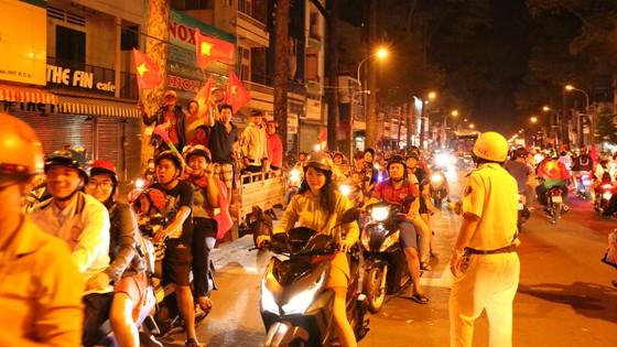 """""""Đi bão"""" sau trận đấu Việt Nam - Mailaysia, 84 trường hợp bị xử phạt ảnh 12"""