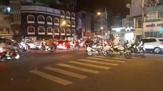 """""""Đi bão"""" sau trận đấu Việt Nam - Mailaysia, 84 trường hợp bị xử phạt ảnh 3"""