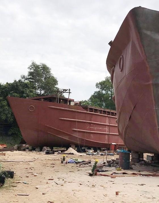 Nổ tại xưởng đóng tàu ở quận 7, ít nhất 3 người thương vong ảnh 1
