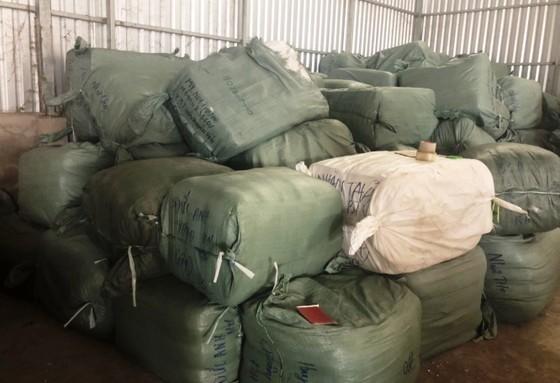 Bộ Công an triệt phá đường dây buôn lậu tại tỉnh An Giang ảnh 2