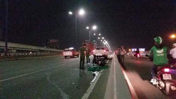 Tai nạn trên cầu Sài Gòn, 1 người tử vong, 2 người bị thương ảnh 1