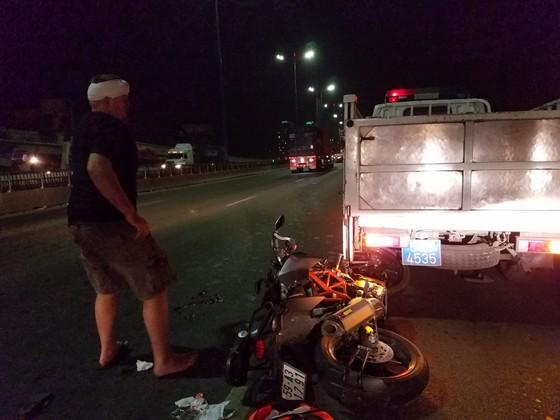Tai nạn trên cầu Sài Gòn, 1 người tử vong, 2 người bị thương ảnh 4