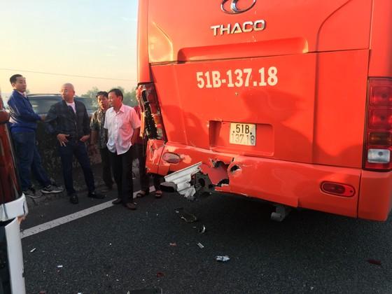 Hai va chạm trên cao tốc TPHCM – Trung Lương, nhiều người thoát chết ảnh 3