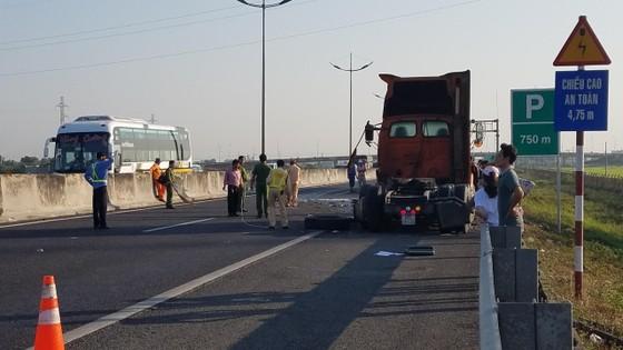Va chạm liên hoàn trên cao tốc TPHCM - Trung Lương, 1 người tử vong ảnh 5
