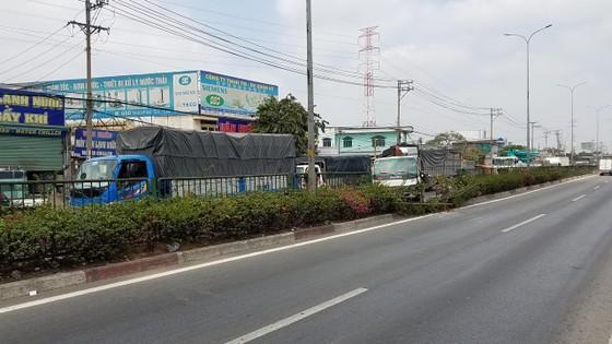 Va chạm liên hoàn 3 xe tải trên quốc lộ 1, giao thông ùn ứ kéo dài  ảnh 4