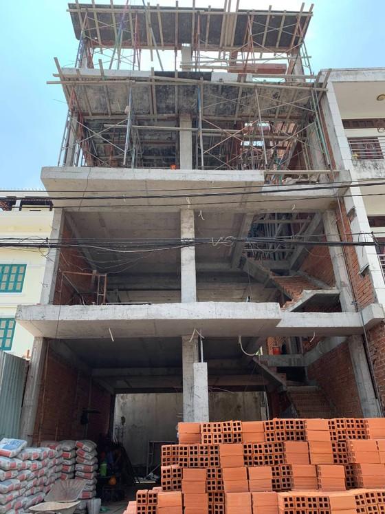 Rơi từ tầng 1 công trình, nữ công nhân bị thương chấn thương sọ não ảnh 1