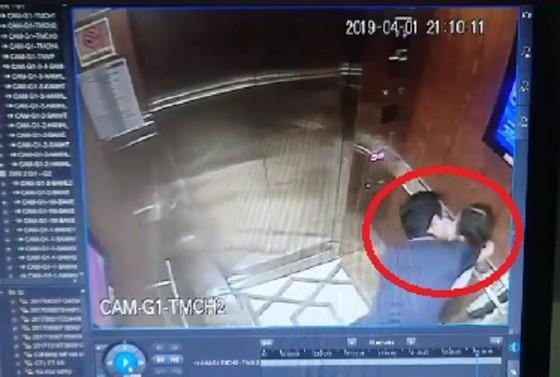 Công an TPHCM lên tiếng vụ người đàn ông sàm sỡ bé gái trong thang máy ở chung cư ảnh 1
