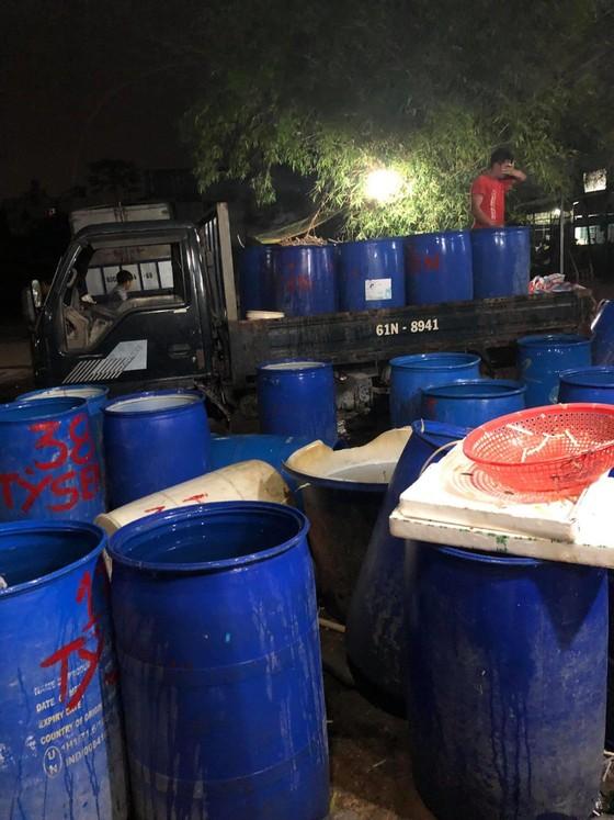 Phát hiện nhiều cơ sở sản xuất thực phẩm ngâm hóa chất ảnh 2