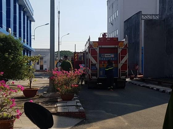 Nổ kèm theo khói phát ra ở trạm biến áp Hiệp Bình Phước gây mất điện diện rộng ảnh 1