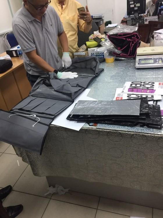 Phát hiện bưu kiện nhập khẩu có chứa hơn 7,4kg ma tuý ảnh 3