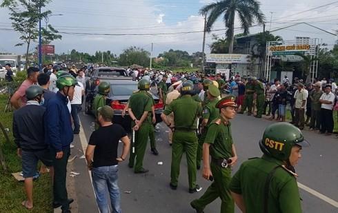 Vụ giang hồ vây chặn xe công an ở Đồng Nai: Khởi tố 3 bị can ảnh 2