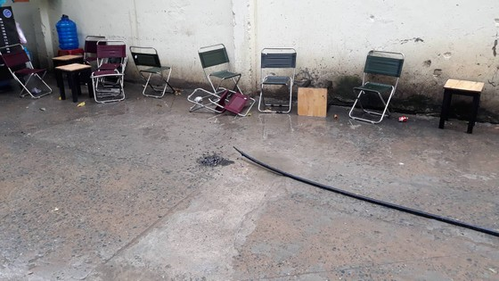 Điện lực TPHCM lên tiếng vụ người đàn ông ngồi uống cà phê trên vỉa hè bị điện giật tử vong ảnh 1