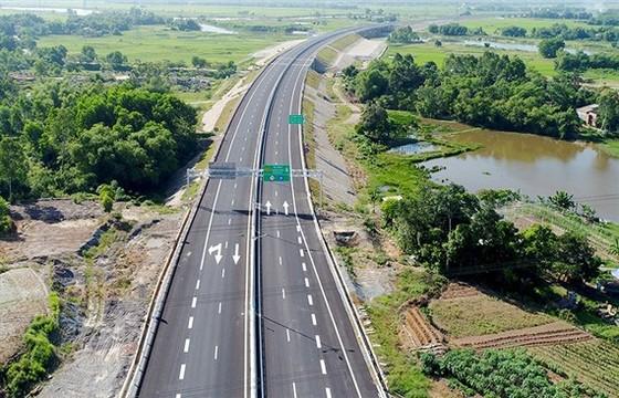 Sửa chữa xong hư hỏng, cao tốc Đà Nẵng- Quảng Ngãi được thu phí trở lại ảnh 1