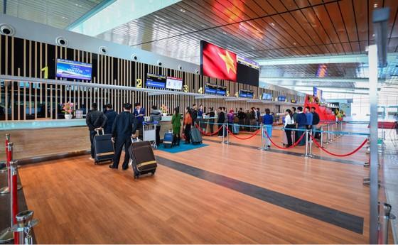 Vietnam Airlines chớp thời cơ bứt phá với đường bay mới TPHCM – Vân Đồn ảnh 1