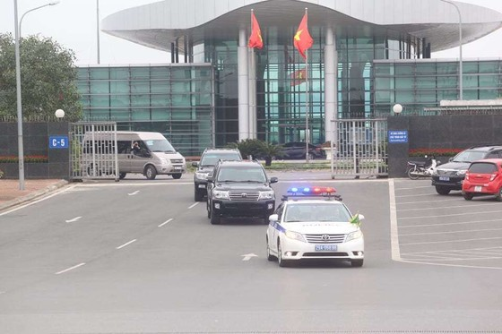 Máy bay vận tải Triều Tiên vừa hạ cánh xuống Nội Bài ảnh 2