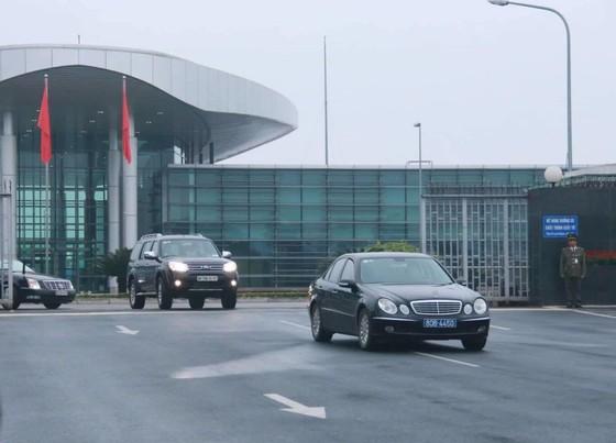 Chuyên cơ chở Ngoại trưởng Mỹ dự Hội nghị thượng đỉnh Mỹ - Triều Tiên vừa hạ cánh sân bay Nội Bài ảnh 1