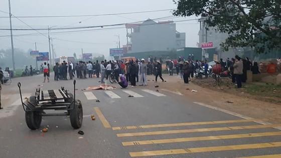 Xe khách đâm vào đoàn người đưa tang, 7 người tử vong tại Vĩnh Phúc ảnh 3