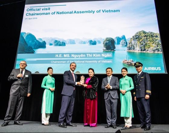 Vietnam Airlines nhận chiếc máy bay Airbus A350 thứ 14 ảnh 1