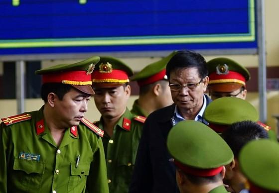Cựu Trung tướng Phan Văn Vĩnh từ chối đăng bản án lên Cổng thông tin ảnh 1