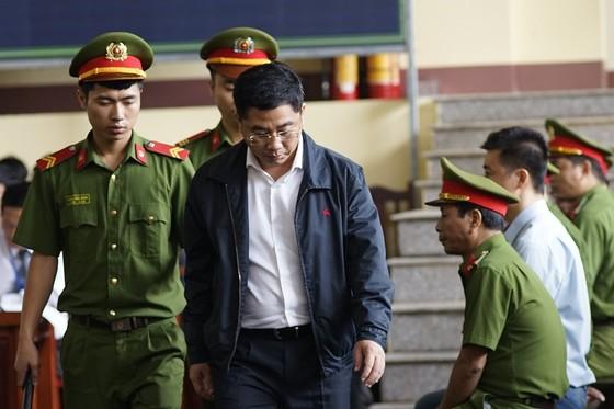 Cựu Trung tướng Phan Văn Vĩnh bị đề nghị 84-90 tháng tù  ảnh 4
