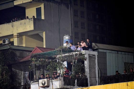 Những cách cổ vũ chỉ có ở Việt Nam dành cho tình yêu bóng đá ảnh 1