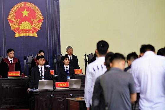 """Kết thúc phiên toà xét xử """"đại án"""" đánh bạc: Bản án kịch khung cho 2 cựu tướng công an ảnh 1"""