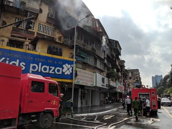Cháy khu tập thể cũ cạnh Đại học Y Hà Nội ảnh 5