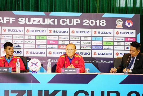 Họp báo trước Bán kết lượt về AFF Cup: Thầy Park tự tin về cơ hội đi tiếp ảnh 4