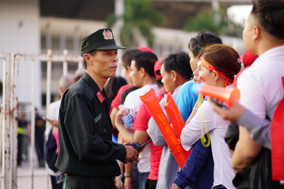 Lượt về bán kết AFF Cup: An ninh thắt chặt mọi ngả đường về sân Mỹ Đình ảnh 4