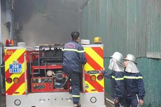 Cháy gara ô tô gần trụ sở VFF, nhiều người hoảng loạn ảnh 3