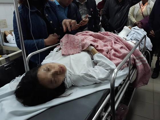 Các nạn nhân vụ xe Lexus gây tai nạn trên phố Trích Sài đã qua cơn nguy kịch ảnh 3