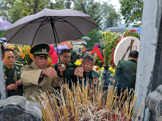 Tri ân các liệt sĩ tại di tích Đồn biên phòng 209 - Pò Hèn ảnh 7
