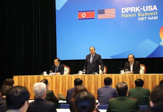 Thủ tướng kiểm tra Trung tâm báo chí phục vụ Hội nghị thượng đỉnh Mỹ - Triều ảnh 1