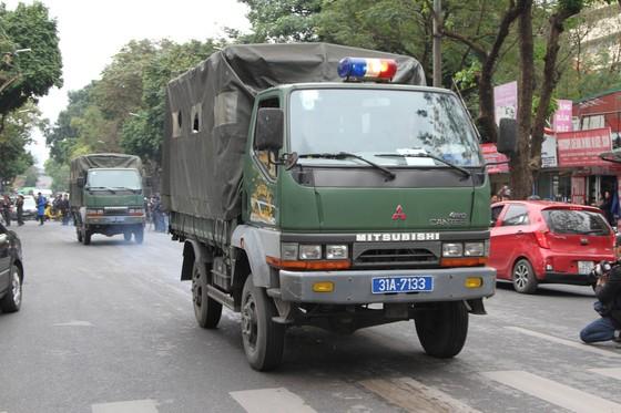 Hội nghị Mỹ - Triều Tiên: Xe bọc thép xuống đường tăng cường an ninh ảnh 10