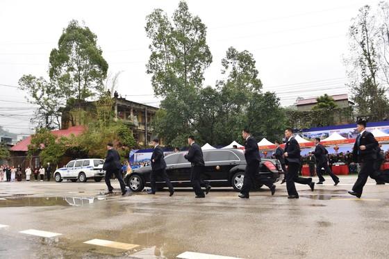 Chủ tịch Kim Jong-un đã lên xe về Thủ đô Hà Nội ảnh 10